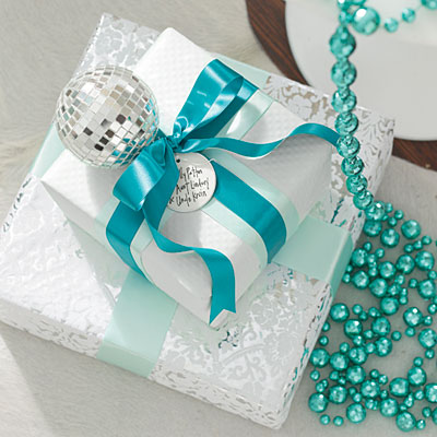 25 Stylish Gift Wrapping Ideas | The Home Touches