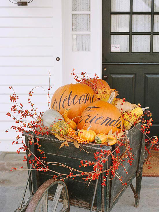 37 fall front entry decorating ideas the home touches for Fall decorations for the home