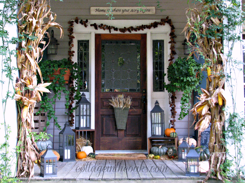 What do you think of this fall front porch the home touches Beautiful fall front porches