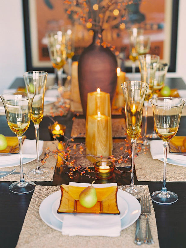 8 glittering fall table setting and centerpiece ideas How to set a thanksgiving dinner table