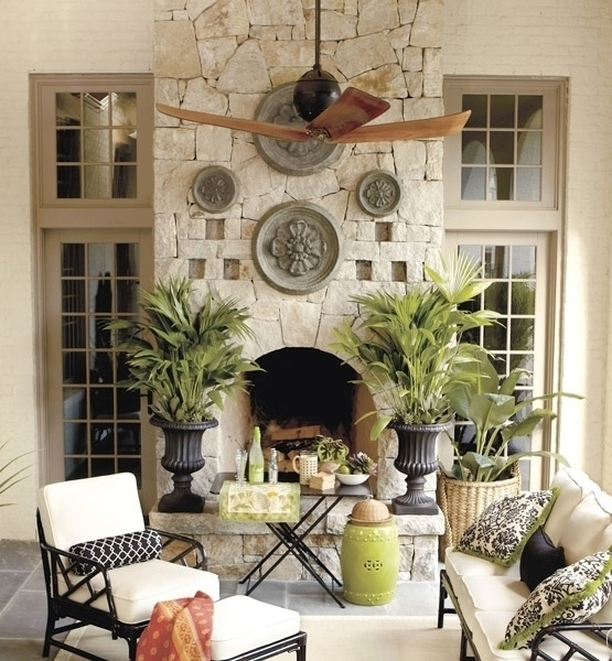 19 great outdoor living room ideas the home touches for Outdoor great room ideas