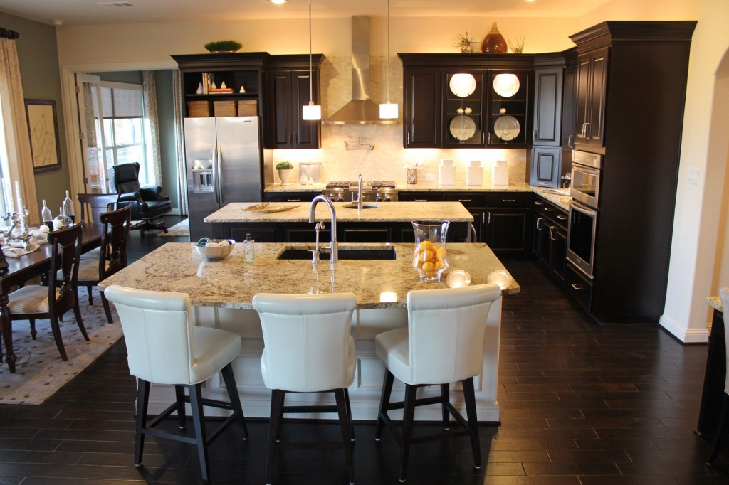 Would you go for a double island the home touches for Double island kitchen