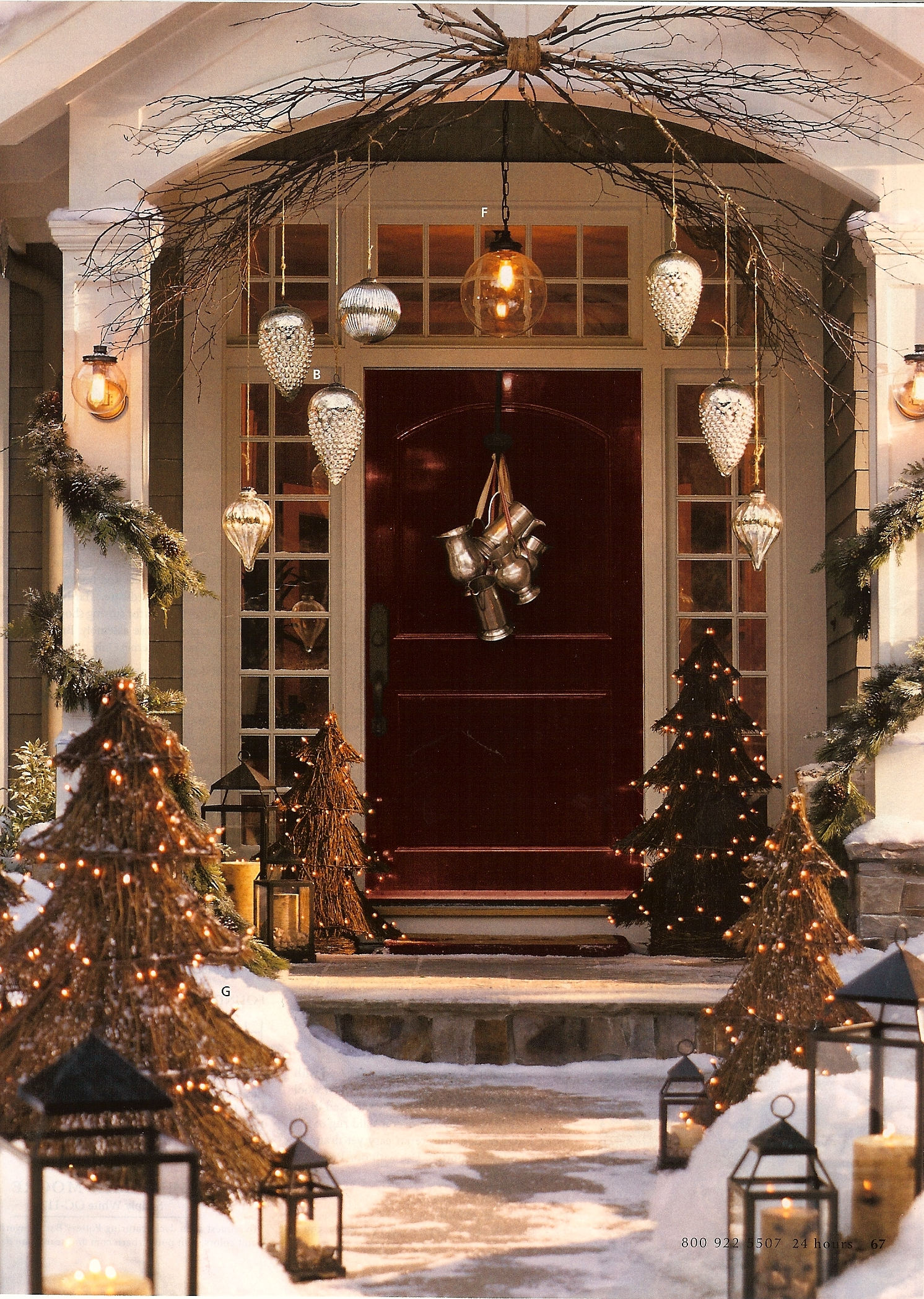 Country christmas decorations 2014 - The Most Unusual Front Door Holiday Decoration But It Does Look Great
